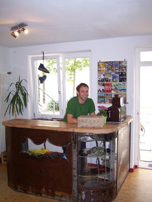"""Laden 02 in Nachhaltige Unternehmen aus Freiburg #01: """"zündstoff. global streetwear"""""""