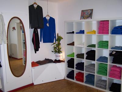 """Laden 03 in Nachhaltige Unternehmen aus Freiburg #01: """"zündstoff. global streetwear"""""""